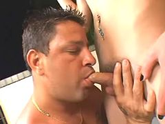 Guy serves shemales cock and ass from sexmv.com