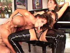 Lusty latin shemale sucked in group from sexmv.com