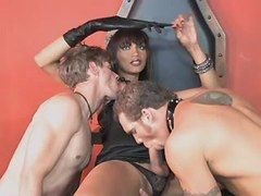 Beautiful tranny sucked by two guys