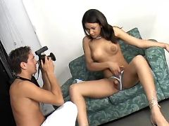 Pretty shemale seduces photographer from freetrannyxxx.com