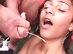 Latina tranny alexia sucks and fucks